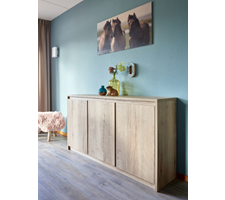 Bergamo dressoir  3deurs - ross tucker projectinterieur.png